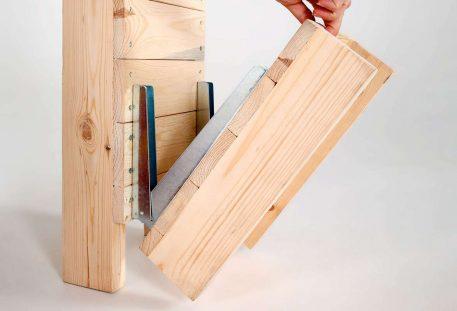 Katalogständer Holz A4 OMAHA - Klappfuß
