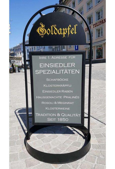 Kundenstopper A1 SACRAMENTO - Goldapfel